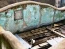 15. Colori ed oggetti che sanno d'antico, circondati dai necessari attrezzi per il restauro